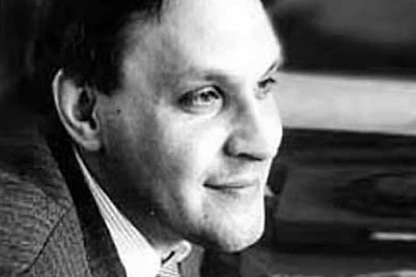 12 мая 2000 года в Москве было совершено нападение на журналиста «Новой газеты» Игоря Домникова. Неизвестные несколько раз ударили его молотком по голове, когда он зашел в подъезд собственного дома. Домников скончался в больнице. В мае 2013 года Следственный комитет сообщил о раскрытии убийства. Бизнесмен Павел Сопот был осужден на семь лет колонии строгого режима за подстрекательство к нападению на журналиста, исполнителя убийства Альберта Хузина приговорили к 25 годам колонии строгого режима