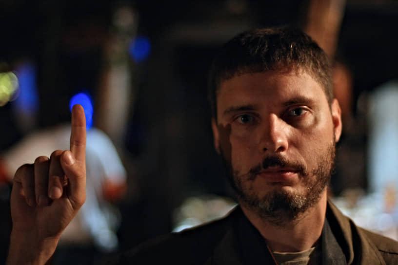 5 августа 2014 года специальный фотокорреспондент МИА «Россия сегодня» Андрей Стенин погиб при выполнении редакционного задания под Донецком. Как утверждает СКР, он попал под обстрел украинской армии в составе колонны беженцев