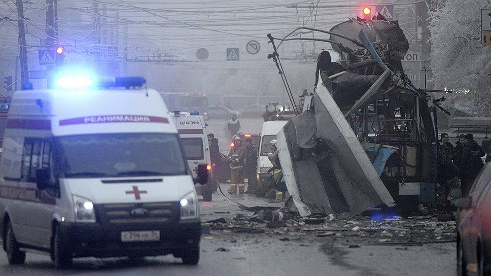 Траур в Волгоградской области по жертвам терактов продлится с 30 декабря по 3 января, сообщил губернатор области