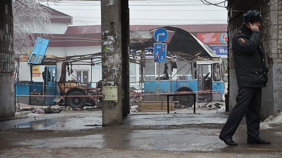 Ранее появилась информация о взрыве у ТЦ «Диаманд» в Тракторозаводском районе и взрыве в маршрутке в Краснооктябрьском районе города. Власти Волгограда эту информацию опровергли