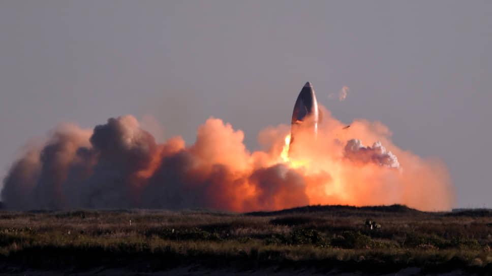 10 декабря 2020 года при посадке разбилась первая сверхтяжелая ракета SpaceX Starship SN8. Авария произошла из-за отказа одного из двигателей. Испытательный полет проводился в Бока-Чика, штат Техас, США. Несмотря на взрыв при посадке, глава SpaceX Илон Маск назвал испытание успешным