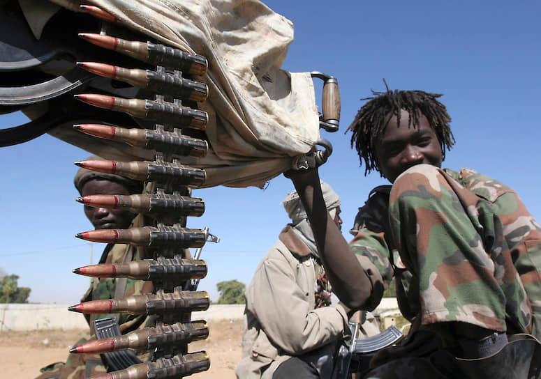 По данным ООН, больше всего детей-солдат в Сомали. Однако официальные лица опровергают эту информацию, утверждая, что исследований этого вопроса не проводилось. По данным ООН, число завербованных детей в этой стране достигает 2 тыс. человек. Большинство случаев использования приходится на группировку «Аш-Шабаб» (около 1,2 тыс. детей)