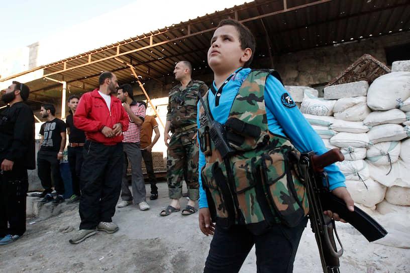 Многие дети идут воевать, так как стремятся отомстить за погибших близких или следуя за ушедшими на войну родственниками. Статистика вовлеченных в боевые действия детей неполная, так как у многих из них просто нет документов