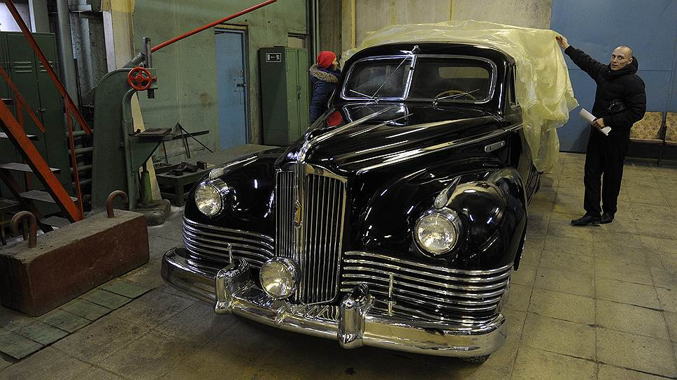 У цеха автомобилей представительского класса есть собственная коллекция лимузинов ЗИЛ. Лимузины, производимые для гаража особого назначения, после десяти лет эксплуатации утилизировались, поэтому почти все экземпляры этой коллекции уникальны. Среди них — ЗИС-115 1953 года выпуска. Это бронированная версия ЗИС-110: толщина боковых стекол — 75 мм. Всего было выпущено 32 лимузина ЗИС-115, из которых сохранилось только четыре машины. На одном из таких автомобилей ездил Сталин