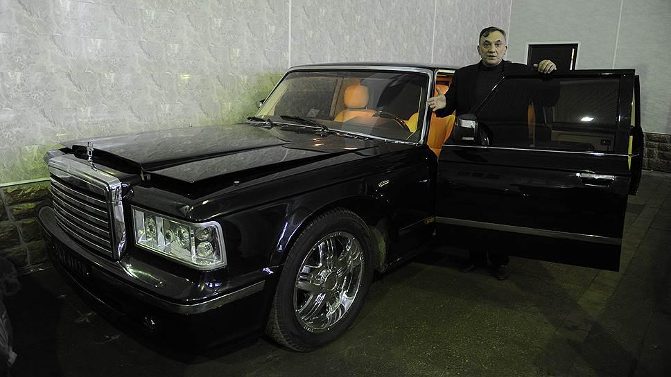 В 2012 году на ЗИЛе был собран новый президентский лимузин ЗИЛ-4112Р. Конструкторы специально сохранили легендарный внешний вид зиловских лимузинов, но обновили «начинку» и изменили интерьер. Салон сделан по типу Pullman, когда сиденья расположены друг против друга. На автомобиль установлена новая система охлаждения двигателя, изменена система энергообеспечения. Интересная особенность: у лимузина шесть дверей, и средние двери, в отличие от аналогичных по классу автомобилей, открываются. До сих пор заказ на его производство ЗИЛ не получил