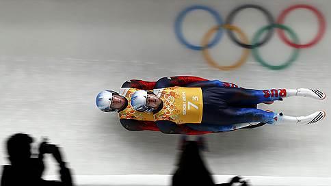 Саночники принесли России 11-ю медаль на Олимпиаде  / Они стали серебряными призерами в командных соревнованиях