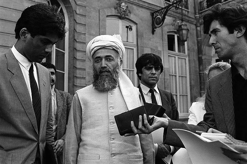 На фото: Бурхануддин Раббани, один из командующих афганскими моджахедами, занявший в 1992 году пост президента Афганистана