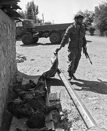 Военные действия развернулись на всей территории Карабаха после того, как 25 сентября 1991 года начался 120-суточный обстрел Степанакерта противоградовыми установками «Алазань». Начались целенаправленные действия против азербайджанских селений. В декабре была создана Национальная армия Азербайджана