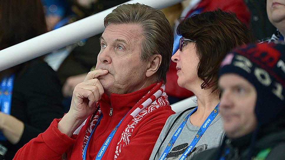 Певец Лев Лещенко на командных соревнованиях по фигурному катанию