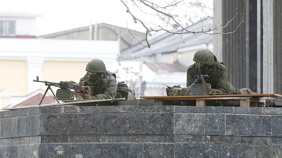 В Совете национальной безопасности Украины не исключают введения чрезвычайного положения в стране в связи с ситуацией в Крыму