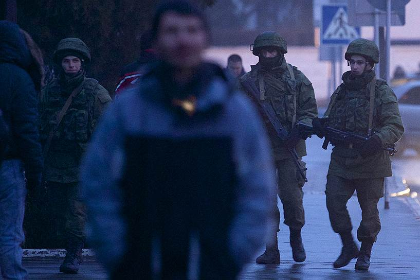 Российский МИД передал советнику посольства Украины ноту относительно передвижения бронетехники Черноморского флота в Крыму. По мнению Москвы, перемещения бронетехники соответствуют российско-украинским соглашениям и не требуют двусторонних консультаций