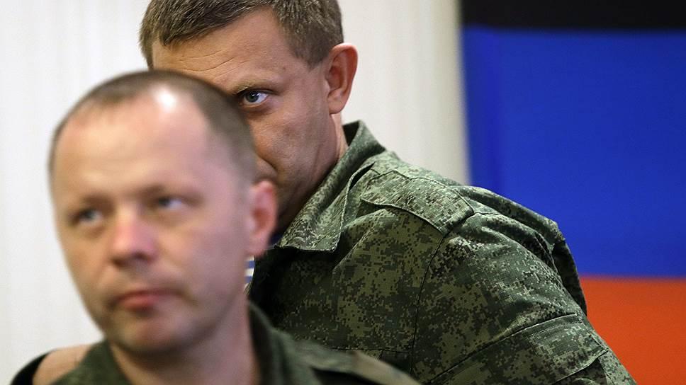 Экс-министр обороны ДНР Владимир Кононов (слева)