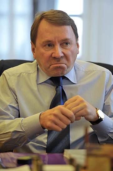 Бывший управляющий делами президента России Владимир Кожин (ныне — помощник президента РФ по вопросам военно-технического сотрудничества)