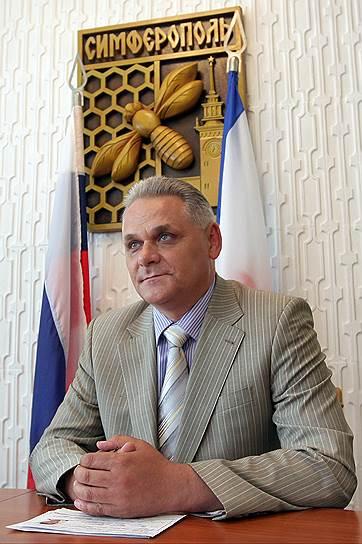 Начальник управления Федеральной миграционной службы РФ по Республике Крым Петр Ярош