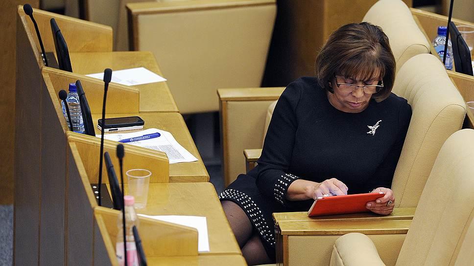 Заместитель председателя комитета Государственной думы России по образованию Ирина Роднина на заседании Госдумы