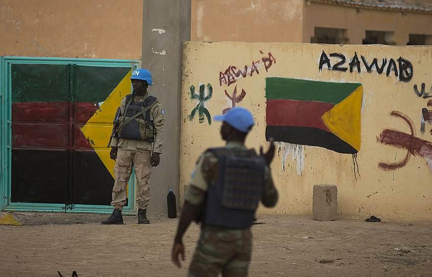 2012 год. Азавад (область на северо-востоке Мали) провозгласил независимость от Мали