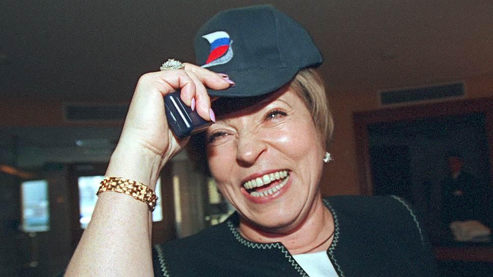 Будучи губернатором Санкт-Петербурга Валентина Матвиенко нередко подвергалась критике, в частности, за то, что позволила начать строительство 300-метрового небоскреба «Газпром-сити», а также за неудовлетворительную работу коммунальных служб
