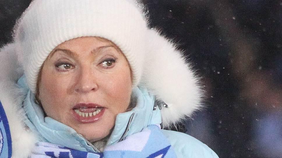 В феврале 2010 года градоначальница на совещании по проблемам ЖКХ предложила сбивать «сосули» с крыш лазером или горячим паром. В следующую зиму ситуация с уборкой снега в городе не улучшилась. После того как из-за упавшей с крыши ледяной глыбы погиб ребенок, в городе начали раздаваться требования об отставке губернатора