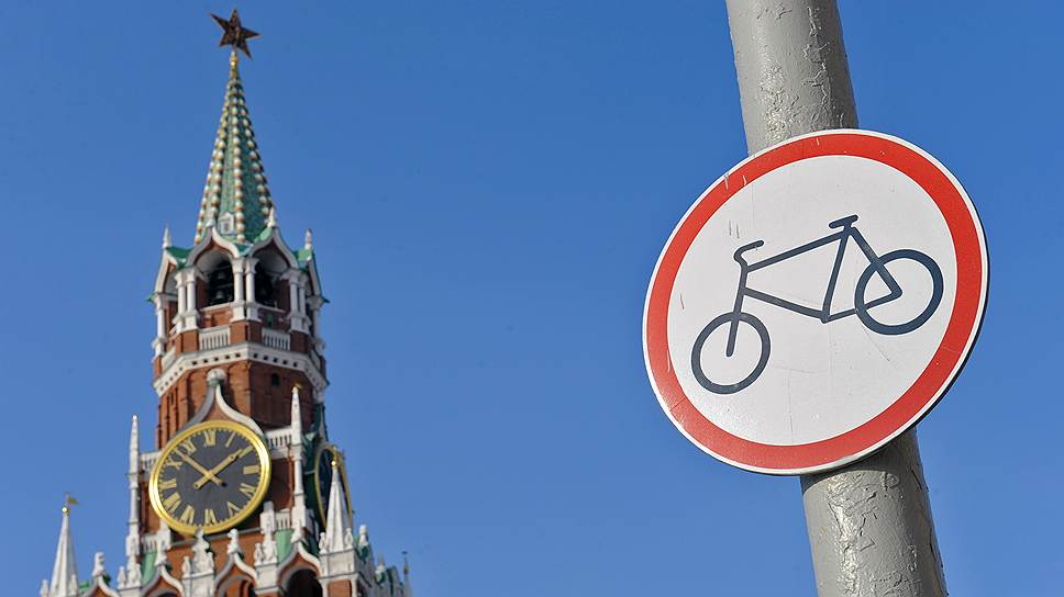 Как велосипедистов и скутеристов защитили правилами