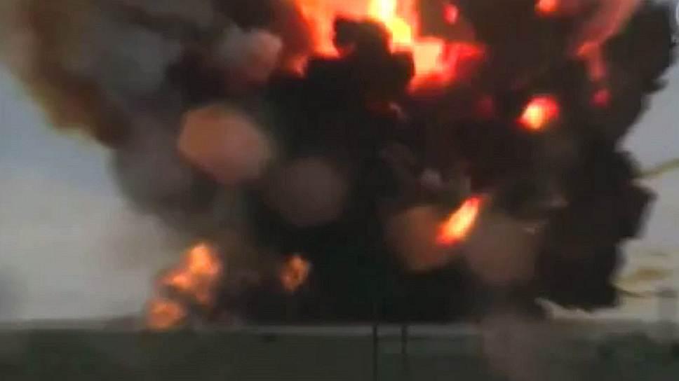 Падение ракеты-носителя «Протон-М» на космодроме Байконур