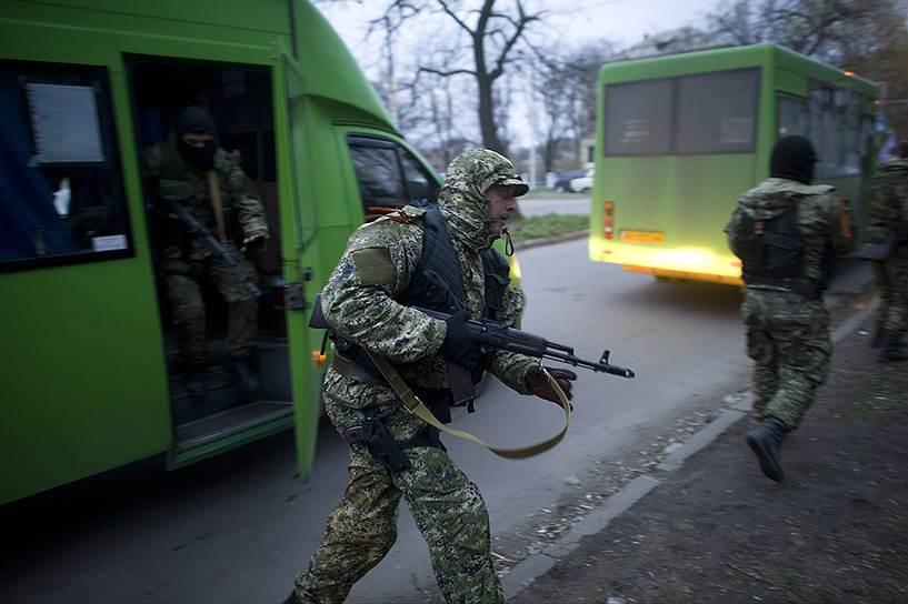 В Днепропетровске начали строить блокпосты, чтобы не пустить в город сторонников федерализации Украины