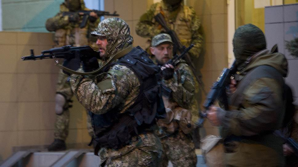В трех городах Донецкой области — Славянске, Красном Лимане и Краматорске — сторонники федерализации Украины заняли административные здания