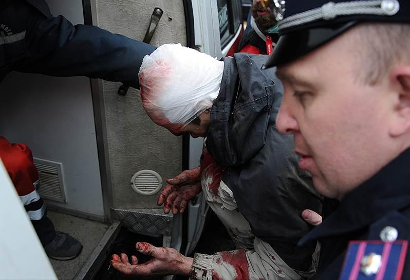 НАТО должно потребовать от властей в Киеве отменить решение о применении военной силы на юго-востоке Украины, заявил постпред России при альянсе Александр Грушко <br>На фото ситуация в Харькове