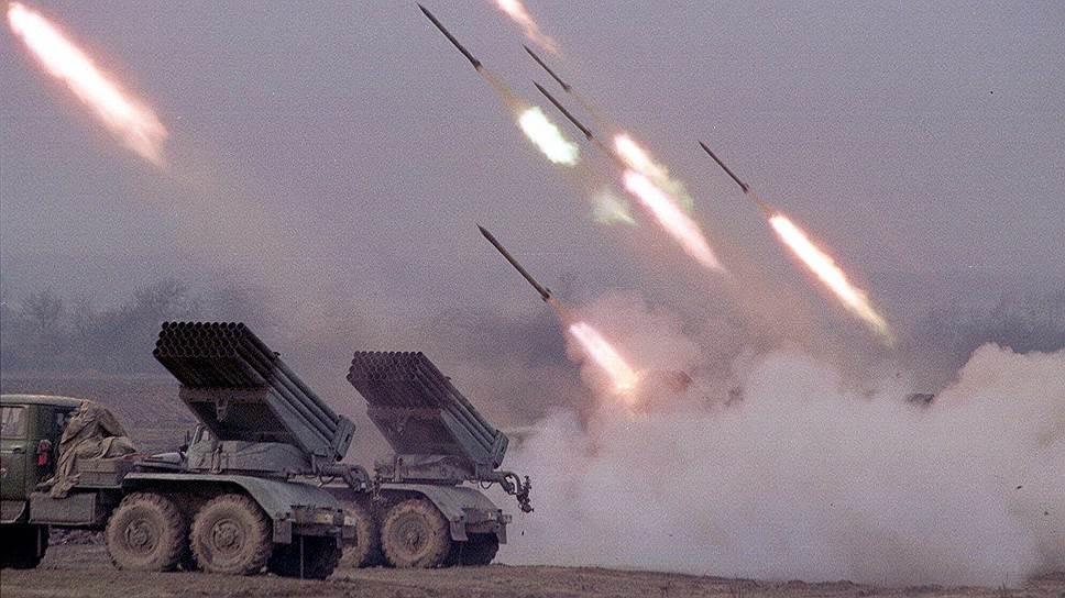 Более месяца шли бои федеральных сил с вторгшимися боевиками, закончившиеся тем, что боевики были вынуждены отступить с территории Дагестана обратно в Чечню