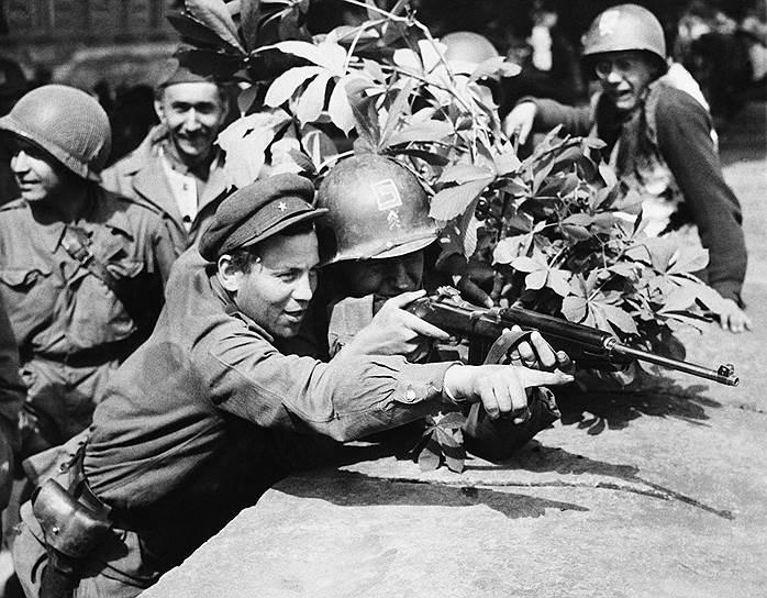 1945 год. Встреча на Эльбе советских и американских войск