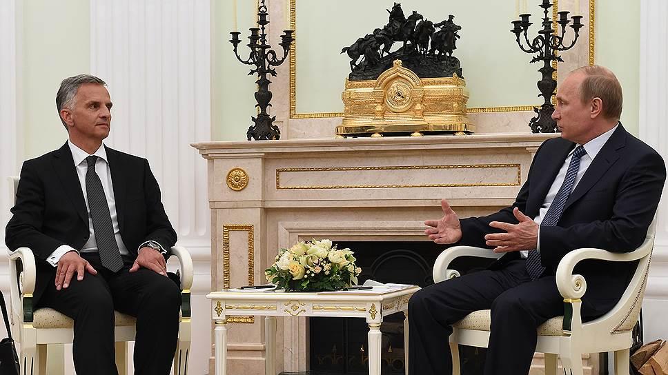 Как Владимир Путин пододвигает выборы
