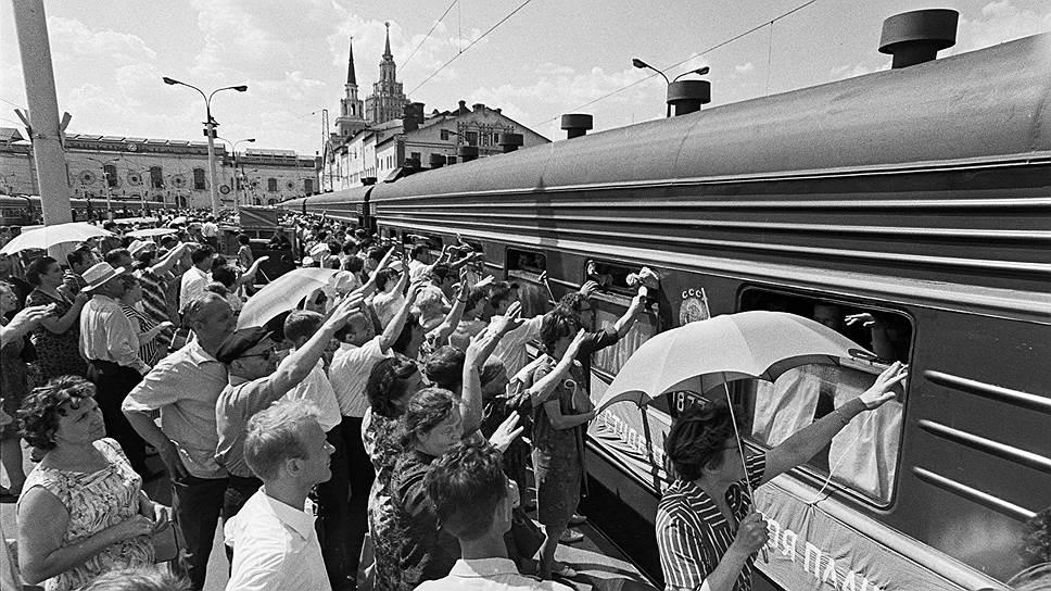 1956 год. Вышло постановление ЦК и Совмина о направлении молодежи на важнейшие стройки и предприятия в восточных и северных районах СССР