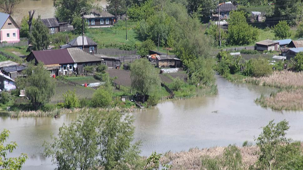 Последствия прорыва дамбы в поселке Ильича