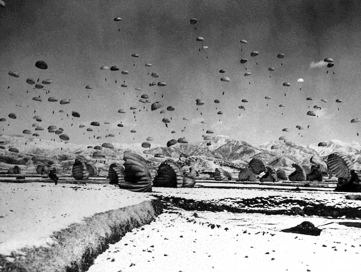 Развязывание Корейской войны убедило западных лидеров в том, что коммунистические режимы представляют для них серьезную угрозу. США пытались убедить их (включая ФРГ) в необходимости укреплять оборону и преуспели в этом