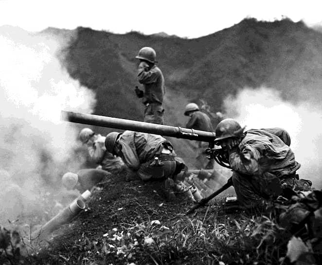 Корейская война вывела Холодную войну, в то время больше связывавшуюся с конфронтацией между СССР и некоторыми странами Европы, в новую, более острую фазу противостояния