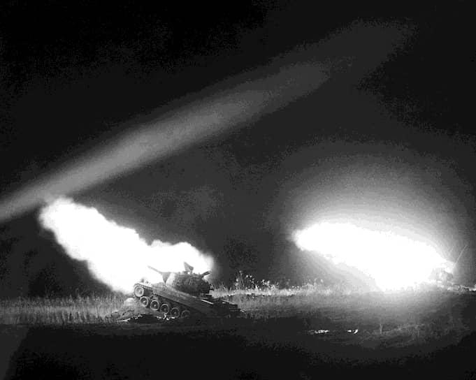 В начале 1953 года стало ясно, что добиться победы путем бомбардировок КНДР невозможно, а все сухопутные наступления обеих сторон оказывались неудачными