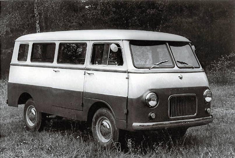 «Москвич-А9» — микроавтобус, выпущенный в 1957 году. Это проект, которому так и не суждено было стать серийным. Он получил модернизированный двигатель от «Москвича-407», задний мост от «Москвича-410», имел стальной несущий корпус и четыре двери, задняя из которых была двустворчатой и распахивалась на всю ширину автобуса. Проблема этой модели была в том, что ей не нашлось применения: грузоподъемность (500 кг) и вместимость (до девяти человек) были недостаточными для того, чтобы использовать его как маршрутное такси. Для сельского автомобиля ему не хватало проходимости. К тому же микроавтобус, собранный на основе легкового автомобиля, был слишком дорог в производстве, и от него пришлось отказаться