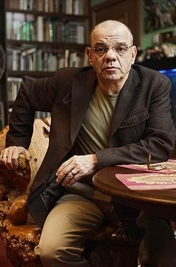 С 2012 года на сцене «Сатирикона» его худрук Константин Райкин исполняет моноспектакль «Константин Райкин. Своим голосом», где актер читает стихи любимых поэтов