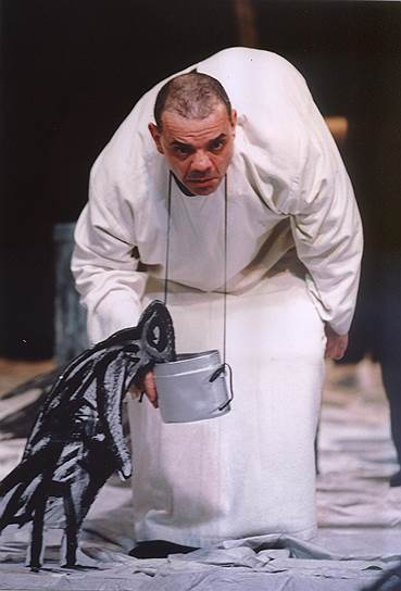 «Самое большое опасение моей жизни — быть ненужным»<br> Отучившись в «Щуке», с 1971 года Райкин играл в театре «Современник», где за десять лет сыграл множество самых разных ролей, в том числе в спектаклях «Валентин и Валентина», «Двенадцатая ночь», «Вечно живые», «Этюды по Гамлету». В 1981 году Райкин перешел в Ленинградский театр эстрадных миниатюр, которым руководил его отец. Год спустя театр переехал в Москву, получив название Государственного театра миниатюр