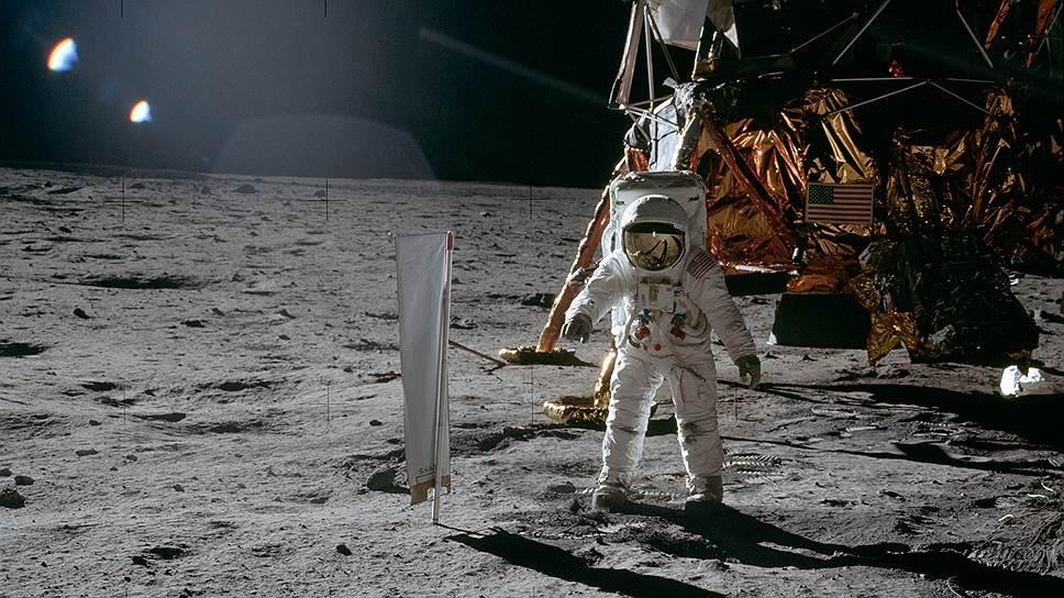 1969 год. «Аполлон-11» совершил первую в истории пилотируемую посадку на Луну