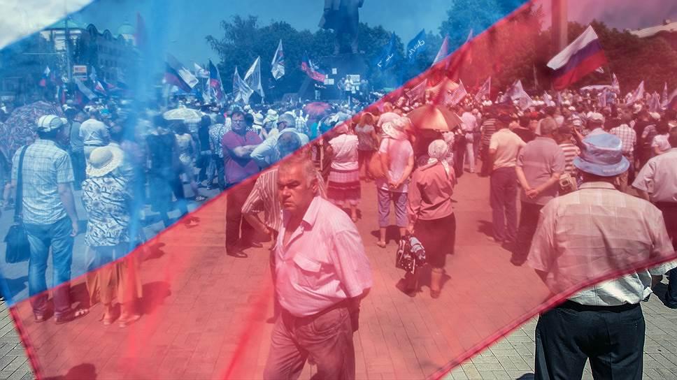 За признание независимых ДНР и ЛНР выступает 27% граждан