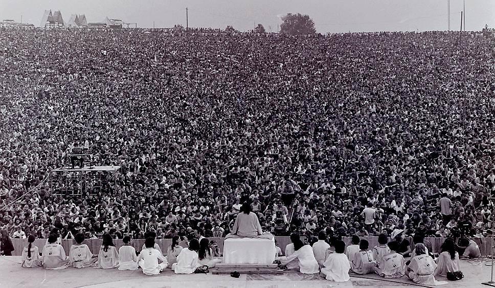 Woodstock Music & Art Fair прошел с 15 по 18 августа 1969 года на одной из ферм городка в сельской местности Бетел (штат Нью-Йорк, США) и стал одним из самых знаменитых рок-фестивалей в истории