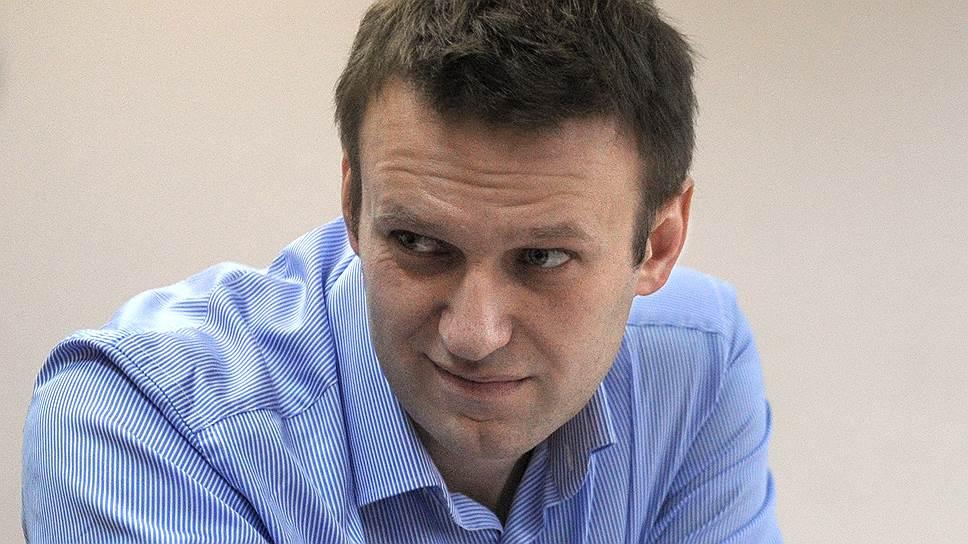 Как Алексей Навальный судился с Максимом Ликсутовым
