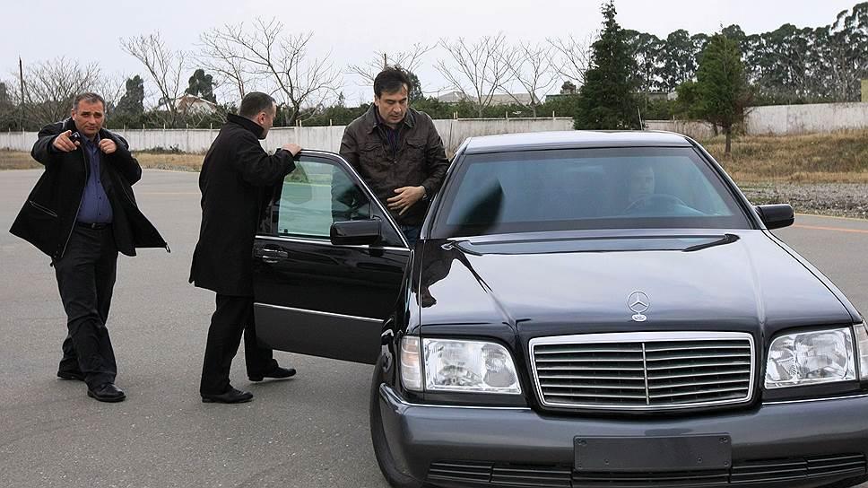 Как экс-президент Грузии ударил по властям с границы