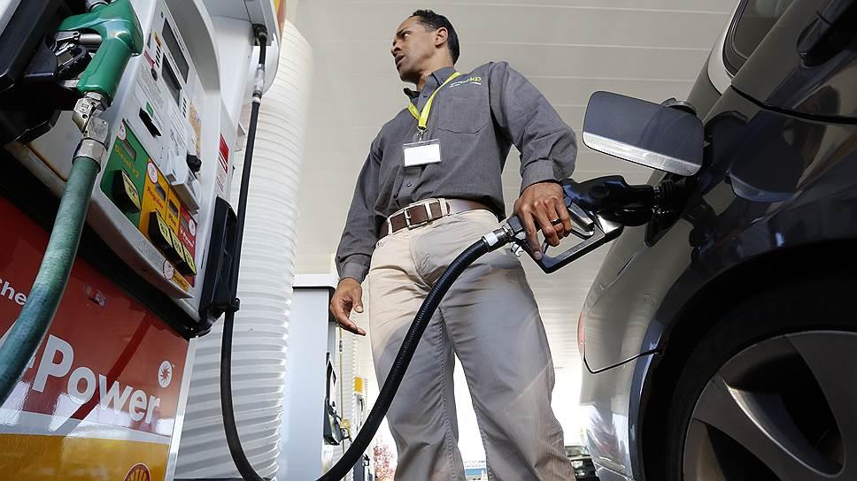 Как цены на топливо обновили многомесячные минимумы