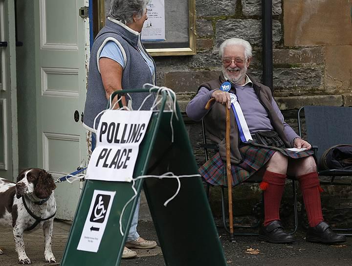 Опрос недельной давности показал, что желающие отделиться от Великобритании могут набрать большинство, чем вызвал переполох в Лондоне. Более свежая социология успокоила — Шотландия, вероятно, останется частью единой страны, во всяком случае пока