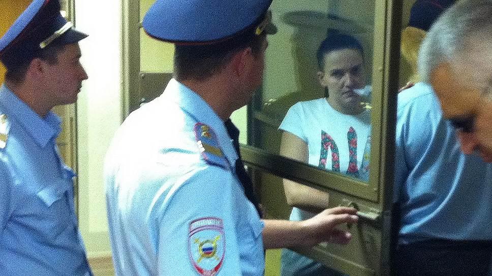 Почему адвоката Надежды Савченко не уведомили об экспертизе