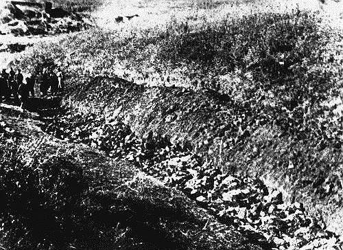 В Бабьем Яре немцы пытались создать мыловаренный завод для выработки мыла из тел и костей убитых, но достроить его не успели