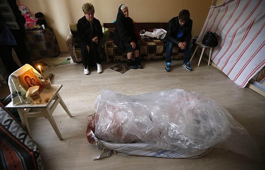 По подсчетам «народного губернатора» Павла Губарева на 1 августа 2014 года, в течение спецоперации ополчение и мирные жители лишились не менее 10,5 тыс. человек