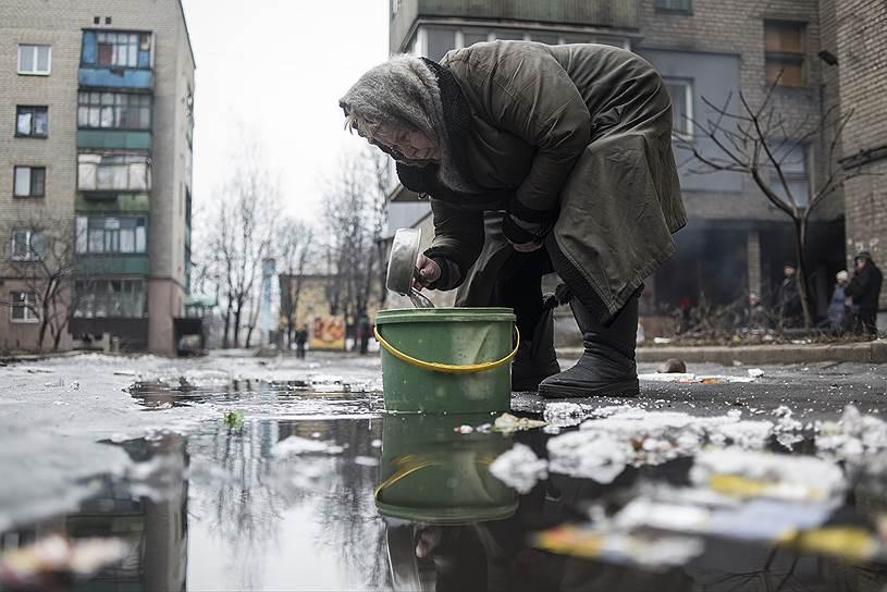 30 января 2015 года. В Донецке был обстрелян Дом культуры имени Куйбышева, где в тот момент проводилась выдача гуманитарной помощи. Кроме того, под артиллерийский обстрел попал троллейбус, в результате чего погибли пять человек
