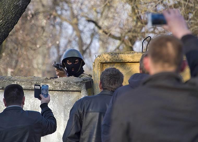 В соседнем Краматорске в ходе спецоперации силовики взяли аэродром